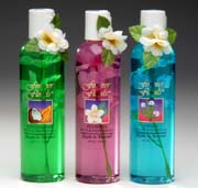 Tropical scented Hawaiian bath and shower gels