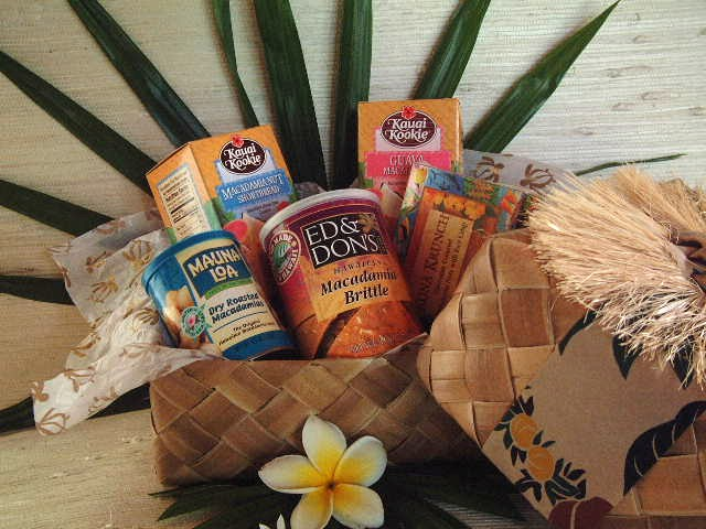 Flavors of Hawaii gift basket